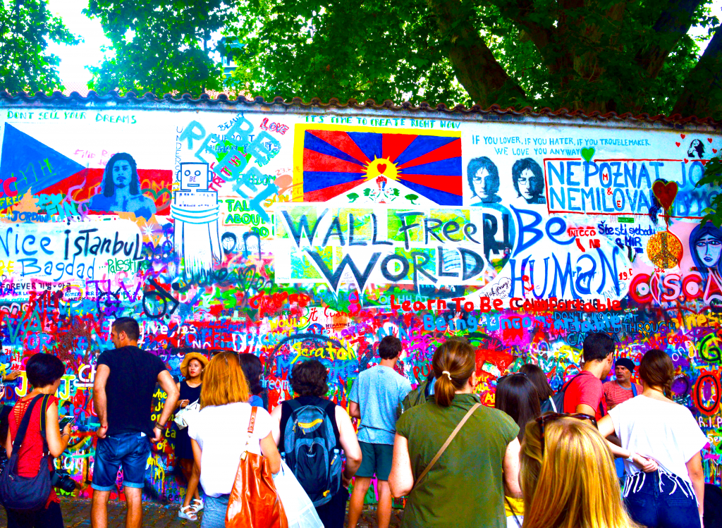 6-john-lennon-wall-prague-europe-centrale-republique-tcheque