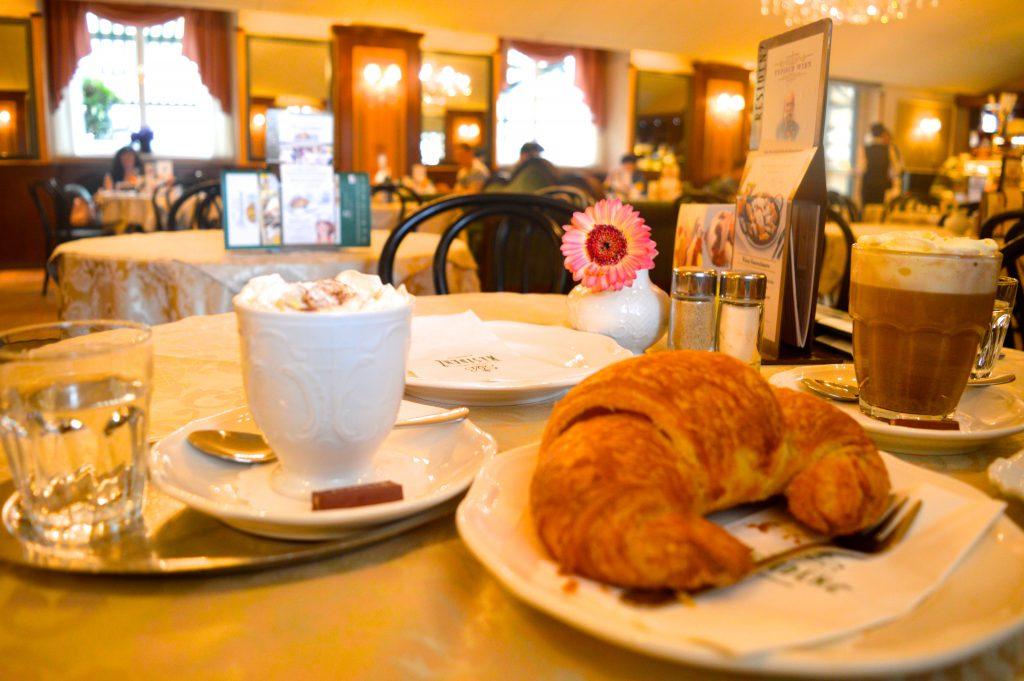 cafe-residenz-vienne-chocolat-viennois-europe-autriche-petit-dejeuner-blog-voyage-meilleures-adresses-week-end